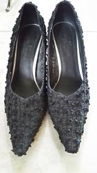 Продам женские туфли черные.